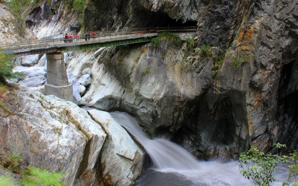 A bridge over a mountain stream in Taroko National Park.