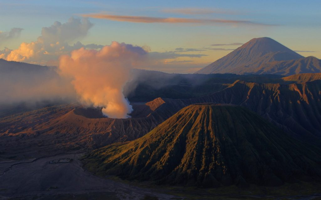 Trekking Mount Bromo without a tour.