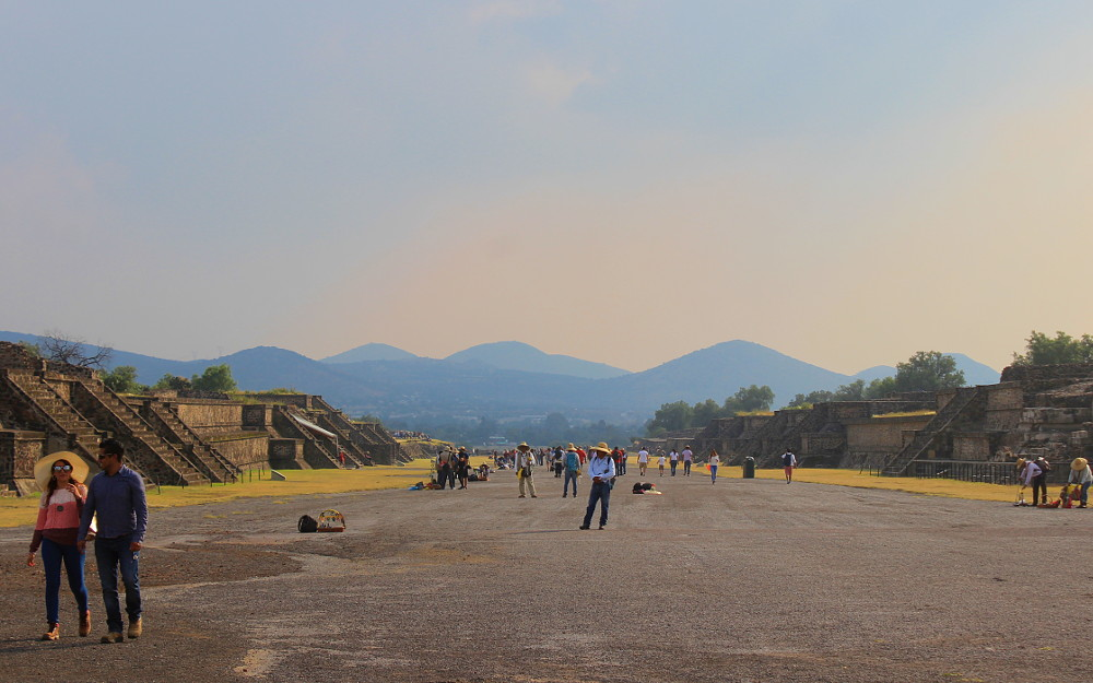 Avenue of the Dead in Teotihuacan. Day trip from Mexico City to Teotihuacan.