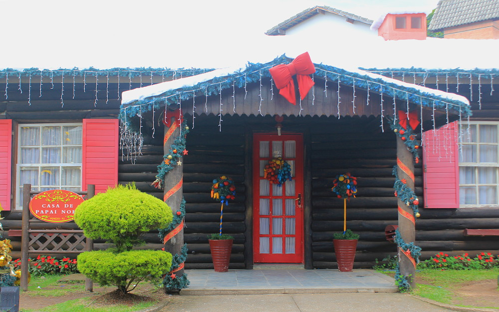 Casa de Papai Noel (House of Santa Claus) in Penedo, Itatiaia.