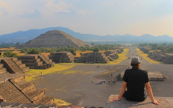 sunset-at-teotihuacan pyramid of the moon. Around the world in 777 days